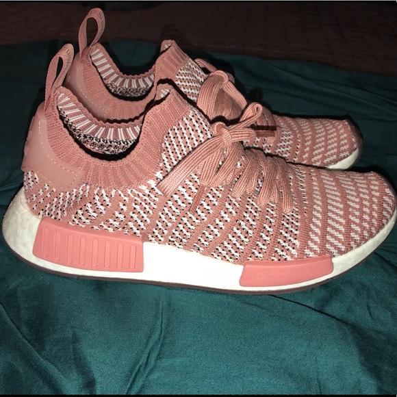 291a9f599fb EUC Adidas NMD R1 STLT Primeknit Ash Pink 8